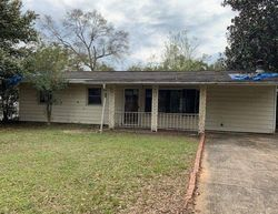Foreclosure - Oakcrest Rd - Milton, FL