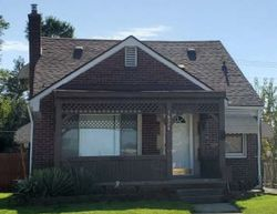 Foreclosure - Toepfer Dr - Eastpointe, MI