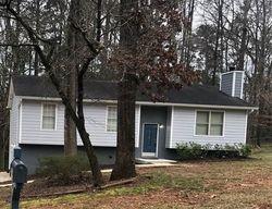 Foreclosure - Chestnut Log Dr - Lithia Springs, GA