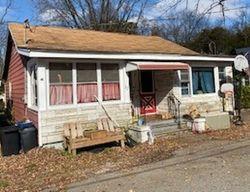 Foreclosure - Diamond Dr - Lake Hopatcong, NJ