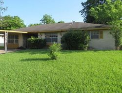 Foreclosure - Akard St - Houston, TX