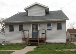 Foreclosure - S 2nd Ave E - Newton, IA