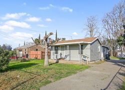 Foreclosure - N Giddings St - Visalia, CA
