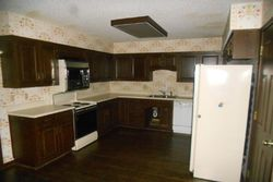 Foreclosure - Rosewood Ct - Mission, KS