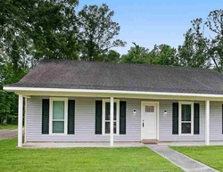 Pre-Foreclosure - Mockingbird Ln - Baton Rouge, LA
