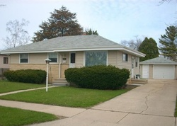 Pre-Foreclosure - 19th Ave - Kenosha, WI
