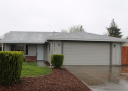 Pre-Foreclosure - Green Glen Way - Sacramento, CA