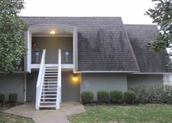 Pre-Foreclosure - La Fontenay Ct - Louisville, KY