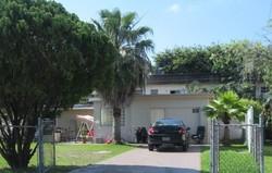 Ne 6th St, Hallandale FL
