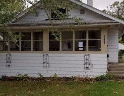 Pre-Foreclosure - W 10th St S - Newton, IA