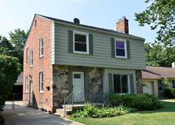 Pre-Foreclosure - Moross Rd - Grosse Pointe, MI