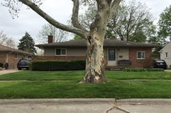 Pre-Foreclosure - Dwight St - Dearborn Heights, MI