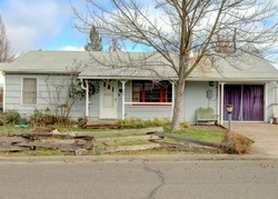 Pre-Foreclosure - S 6th St - Central Point, OR