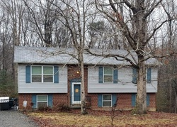 Pre-Foreclosure - Meadow Wood Dr - Mechanicsville, MD