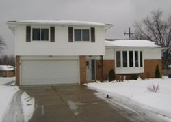 Longridge Dr, Independence OH