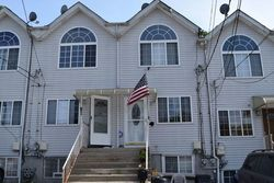 Laurel Ave, Staten Island NY