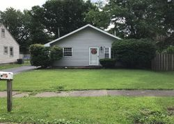 N Pershing Ave, Taylorville IL
