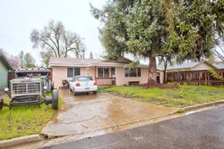 Pre-Foreclosure - Talbot St - Eagle Point, OR