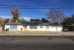W Tulare Ave, Visalia CA