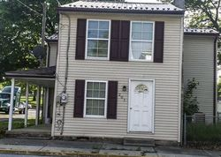 Chestnut St, Mount Holly Springs PA