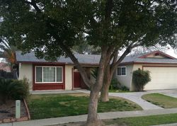 Caronette Ln, Hanford CA