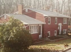 Pre-Foreclosure - Douglas Ln - Waterford, CT