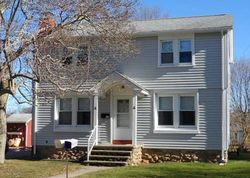 Pre-Foreclosure - Pine St - Waterford, CT