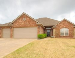 W Broadpoint Court , Mustang OK