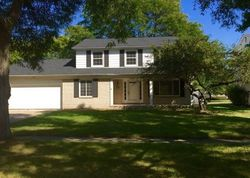 Pre-Foreclosure - Rainbow Dr - Southfield, MI