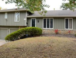 Pre-Foreclosure - W 54th Ter - Mission, KS