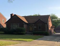 Pre-Foreclosure - Belanger St - Grosse Pointe, MI