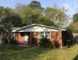 Pre-Foreclosure - Barbara Cir - Macclenny, FL