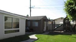 E 57th St, Maywood CA