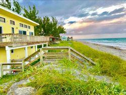 N Beach Rd, Hobe Sound FL