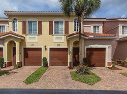 Pre-Foreclosure - Estero Gardens Cir Unit 104 - Estero, FL