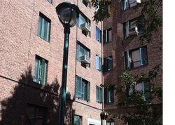 Metropolitan Ave F, Bronx NY