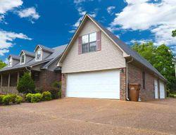 Meadowbrook Cir, Lexington TN