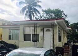 E 28th St, Hialeah FL