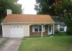 Short Sale - Hardy Cash Dr - Hampton, VA